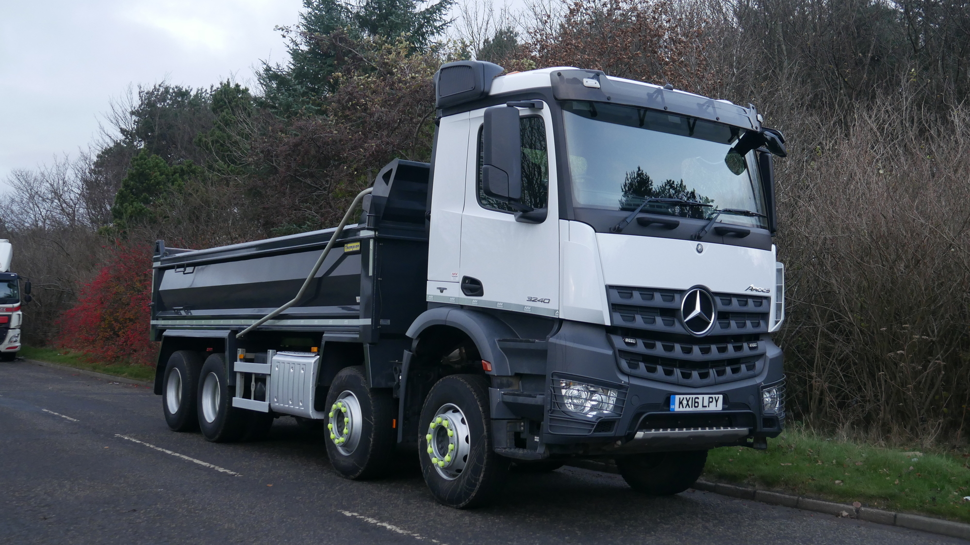32 tonne mercedes benz arocs 3240 tipper truck for sale for Mercedes benz commercial trucks