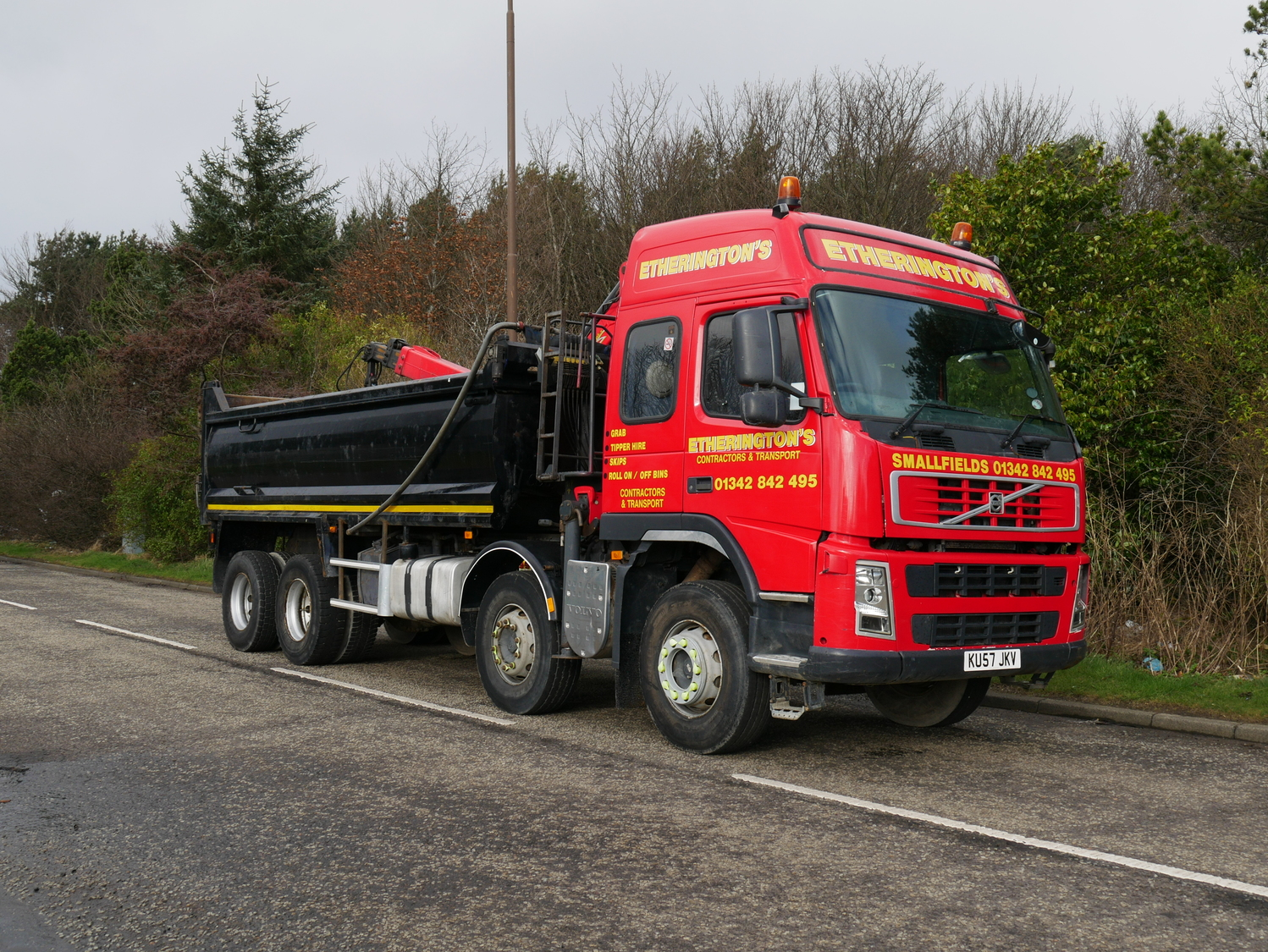 32 Tonne Volvo FM 380 Tipper Grab With Palfinger Epsilon Crane Truck For Sale KU57JKV | MV ...